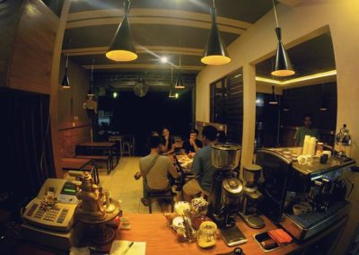 Customers - Papilas Coffee House