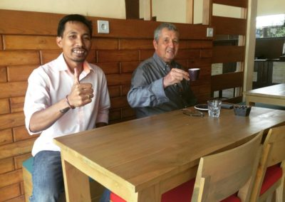Owner & Customer - Papilas Coffee House