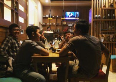 Customers - Papilas Coffee House