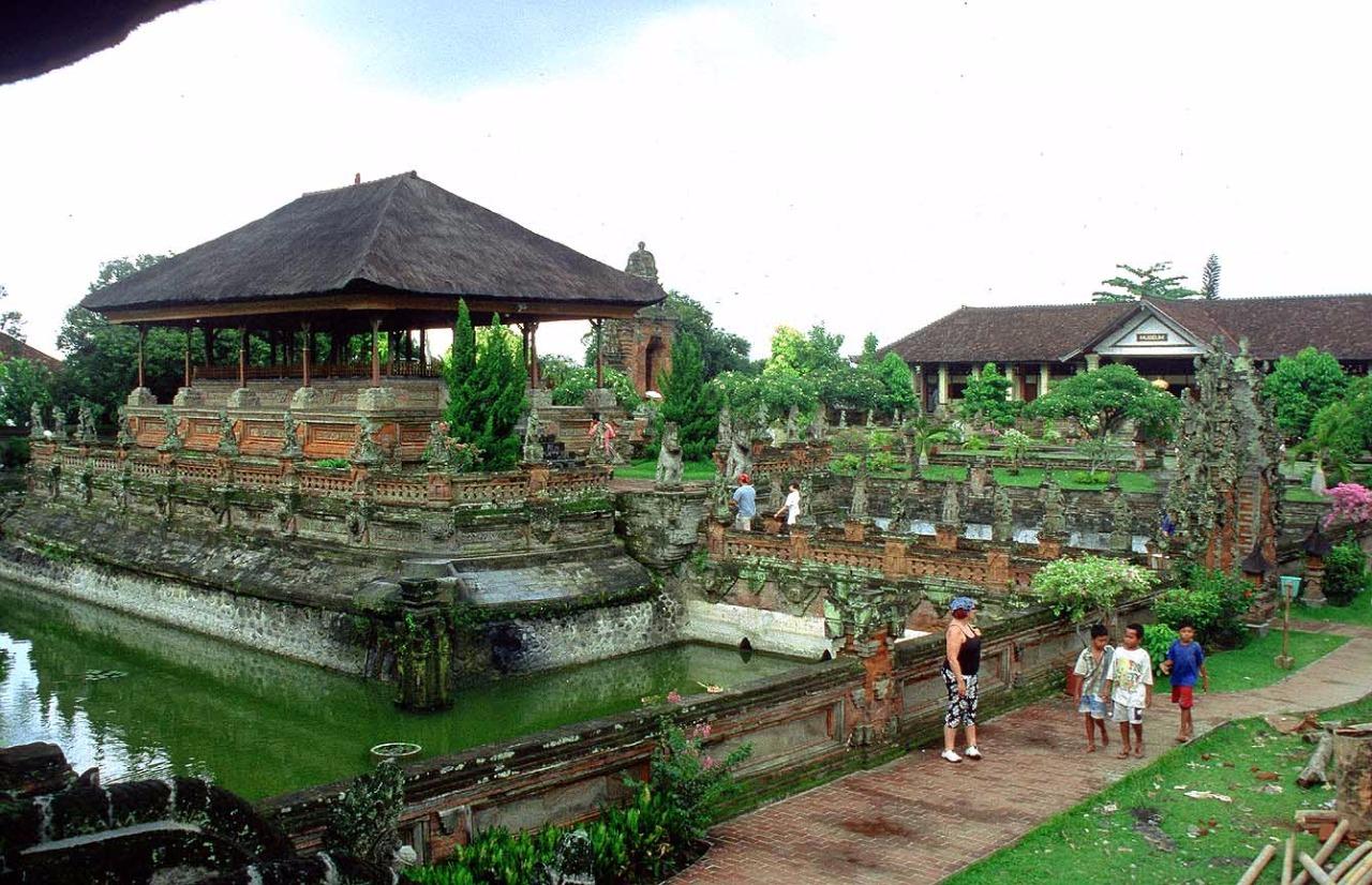 Papilas Coffee House Nusa Penida & Klungkung 00012